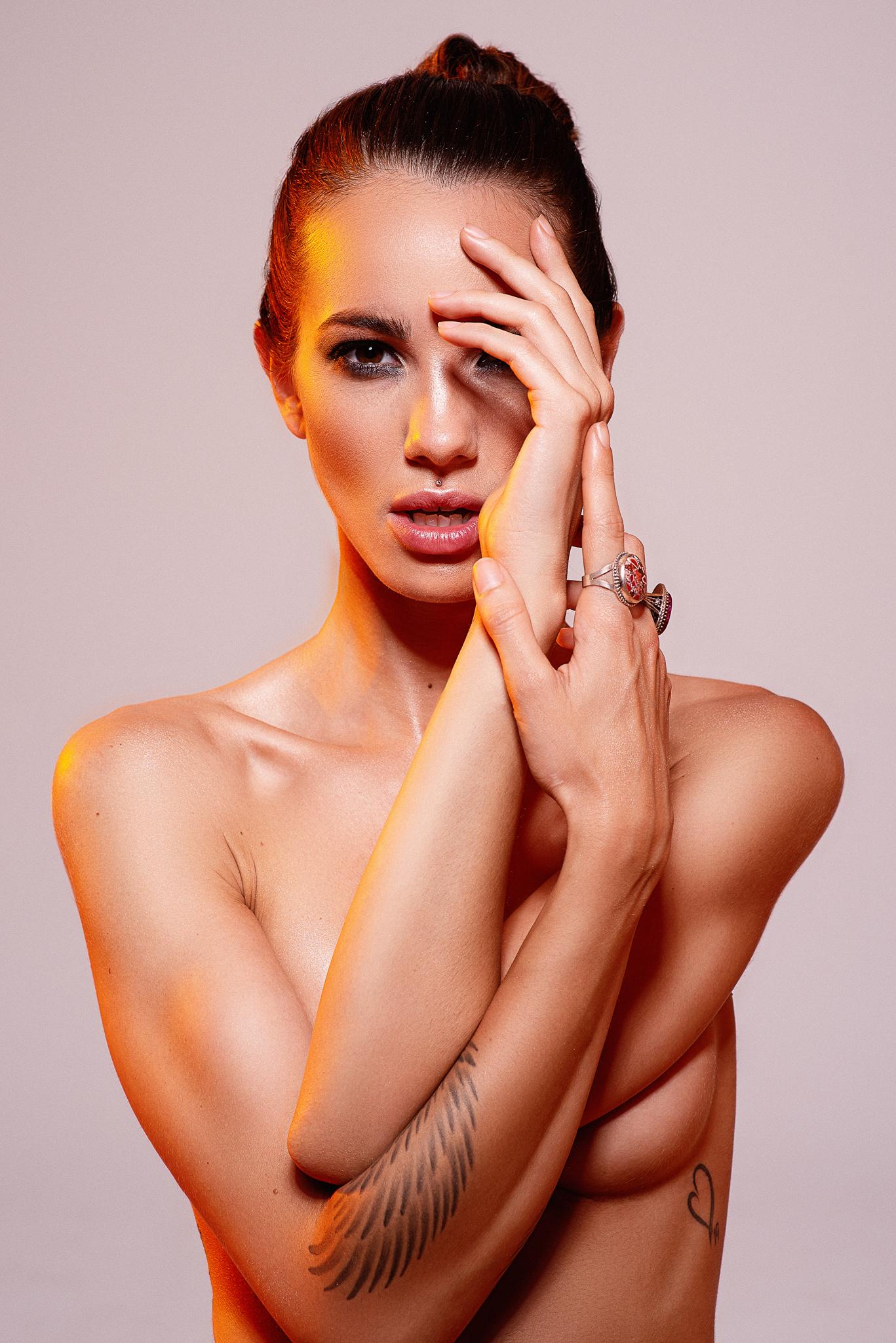 Lina Beauty @ VST16652
