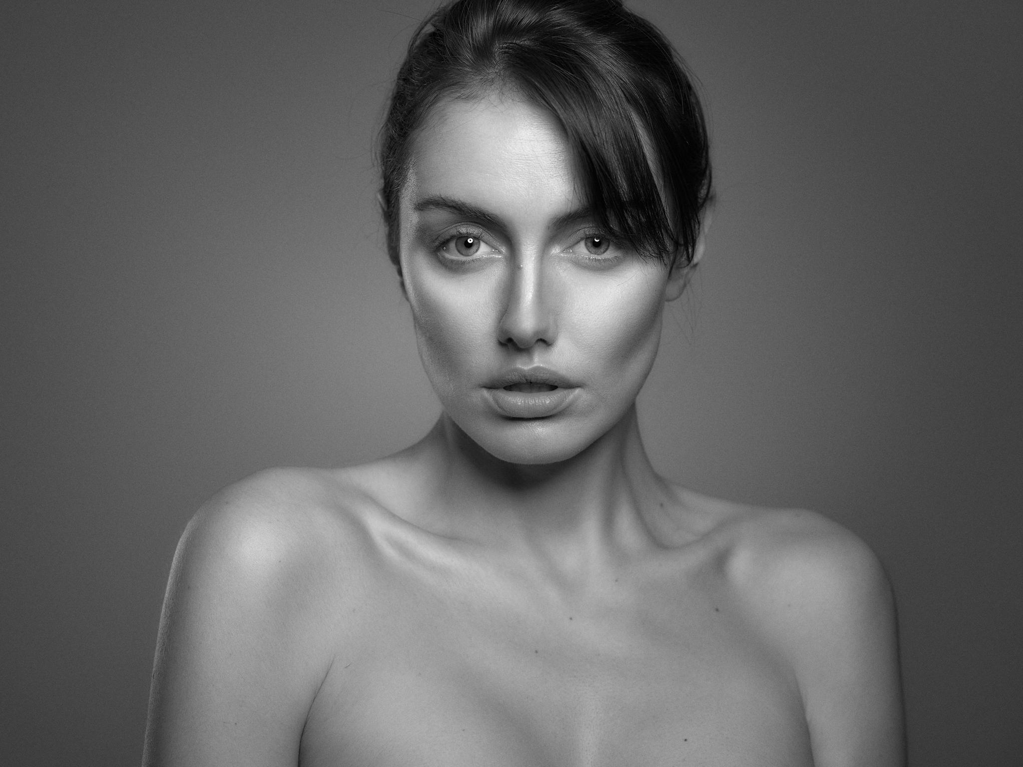Marina Voykova Beauty16315